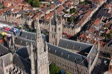 Cathédrale et Halles aux draps