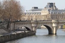 Quais de la Seine et le Louvre